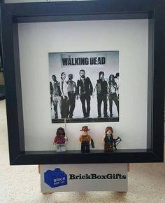The Walking Dead lego Frame Rick Grimes Daryl Michonne birthday present gift tv show Walking Dead Lego, Walking Dead Gifts, Lego 3d, Lego Frame, 3d Box Frames, Lego Boxes, Lego Minifigure, Present Gift, Lego Ideas