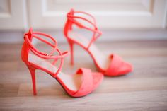 We know you are a trendy girl, so we've made you this page filled with ideas to use Living Coral (the 2019 Pantone Color of The Year) on your wedding day 🧡 Bridal Shoes, Wedding Shoes, Wedding Dresses, Scent Of Obsession, Coral Heels, Peach Heels, Neon Heels, Pink Shoes, Trendy Girl