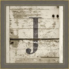 Large Distressed Monogram Wall Art in Gray. Would also be cool with large and small numbers with a touch of silver sage Monogram Wall Art, Diy Wall Art, Wall Decor, Painted Signs, Wooden Signs, Do It Yourself Inspiration, Reclaimed Wood Art, Barn Wood, Old Signs