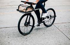 """Im Rahmen eines Wettbewerbs des Kollektivs """"Oregon Manifest"""" wurde vor kurzem unter fünf Konzepten das perfekte Pedelec für den urbanen Einsatz gewählt. Gewonnen hat das Team TEAGUE x Sizemore Bicycle aus Seattle mit dem Modell """"Denny"""" –ein E-Bike mit vielen … Weiterlesen"""