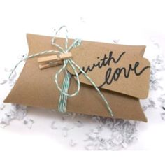 Gifts for Her: Under $30     Giving gifts would be easier if we all had Jay Z and Beyonce's bank accounts. Since most of us don't, here are some great gift ideas that are sure not to break the bank!
