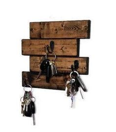 Renewed Decor Horizontal Hanging Plank Key Rack with 3 key hooks