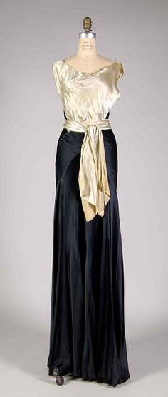 Evening dress Probably Madeleine Vionnet (French, Chilleurs-aux-Bois 1876–1975 Paris) Date: ca. 1935 Culture: French Medium: Silk Credit Lin...