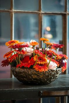 Pink Gerbera, Dark Interiors, Bright Flowers, Inspiration Boards, Fall Trends, Light In The Dark, Autumn, Table Decorations, Inspired