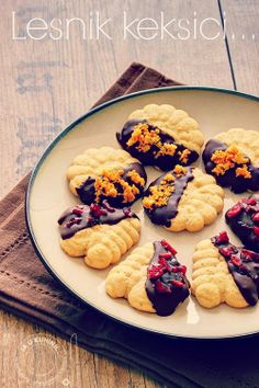 Spritz hazelnut cookies - saving for her recipe and pictures for/of Airy Caramel
