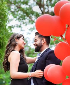 Pro Tips for Pretty Pics - All you MUST know to Slay the Proposal PhotoShoot Trend Proposal Goals Pre Wedding Photoshoot, Photoshoot Ideas, Surprise Proposal, Proposal Ideas, Candid Photography, Wedding Photography, Engagement Announcement Photos, Pretty Pictures, Pretty Pics