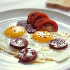 Pazar Kahvaltısı...Sucuk and Eggs