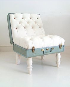 Suitcase chair included in these 20 DIY Vintage Suitcase Projects and Repurposed Suitcases. Create unique home decor using repurposed old suitcases!