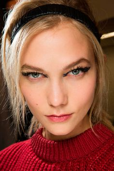 Cat-eye extremo: Lleva tu delineado al siguiente nivel, ¡estilo runway!