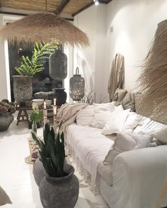 Cozy boho outdoor area with platforms, an outdoor couch, and boho touches Helsingborg, Modern Bedroom Design, Interior Design Living Room, Living Room Colors, Living Room Decor, Outdoor Couch, Rustic Interiors, Interiores Design, Beach House