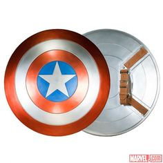 Full-scale #CaptainAmerica Shield replica from eFX. Captin America, Captain America Movie, Captain America Shield, Marvel News, Marvel Fan, Marvel Avengers, Midtown Comics, Super Soldier, Marvel Entertainment