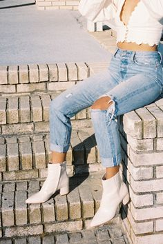 Plan your Fall looks now! Dress up your bootie with croco textures and animal prints. Go wild, with the BEL bootie. Shop Dolce Vita Fall New Arrivals. Cute Casual Outfits, Fall Outfits, Summer Outfits, Fashion Outfits, Stylish Outfits, Fashion Hacks, Short Outfits, Modest Fashion, Fashion Clothes