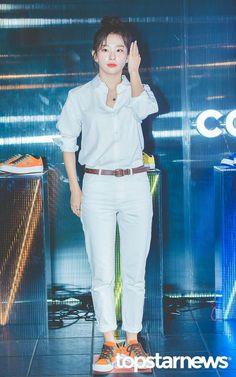 Seulgi Seulgi Instagram, Fandom, Park Sooyoung, Kang Seulgi, Red Velvet Seulgi, Kim Yerim, Seungkwan, Height And Weight, White Jeans