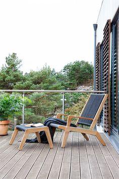 Der Oasiq Skagen Loungesessel sorgt mit seiner weichen Bespannung für guten Sitzkomfort. #Liege #Sonnenliege #Gartenliege #sunlounger #lounger #Gartenmöbel #Balkonmöbel #Stuhl #Sessel #outdoor #Garten #Terrasse #Balkon #balcony #gardenfurniture #comfy #modern #Teakholz #oasiq #garden #interior #interiordesign #decoration #interiordecorating #chair #armchair #einrichten #Einrichtung #wohnen #home #inspiration #Einrichtungsideen