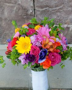 colorful bouquets weddings | Colorful summer bridal bouquet | Wedding dreams