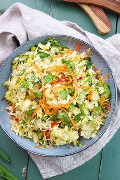 Knuspriger Kohl Salat (Coleslaw) mit Thai Salat-Dressing