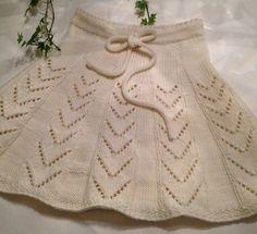 Crochet For Kids, Crochet Baby, Knit Crochet, Little Girl Dresses, Little Girls, Girls Dresses, Drops Design, Knit Skirt, Crochet Crafts