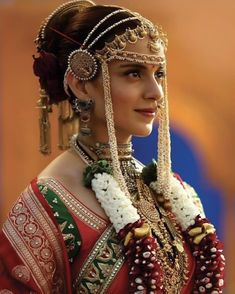 bridal look from 😍😍😍😍 💓💓 . Marathi Bride, Marathi Wedding, Saree Wedding, Wedding Dresses, Indian Bridal Outfits, Indian Bridal Fashion, Wedding Looks, Bridal Looks, Nauvari Saree
