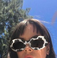cowboy glasses and sky Aesthetic Indie, Aesthetic Photo, Aesthetic Girl, Aesthetic Clothes, Mode Pastel, Image Fashion, Estilo Indie, Lunette Style, Cute Sunglasses