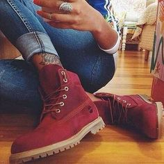Timberland boots in red!love this,to wear with skinny pants and a cute sweater or shirt,just adore timberland boots!love this girls tattoo too! Snow Boots, Ugg Boots, Bootie Boots, Ankle Boots, Winter Boots, Winter Snow, Flat Boots, Sock Shoes, Cute Shoes