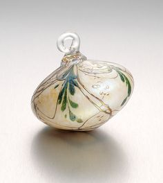 """""""Holiday Heirloom""""        Art Glass Ornament                                                                      Created by                          Bryce Dimitruk"""