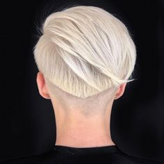 Smooth lines from @chrisjones_hair ⚡️ #hairbrained #crafthairdresser