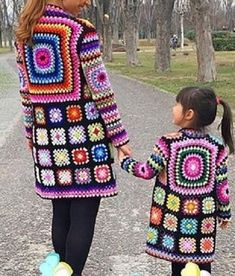 Diy Crochet And Knitting, Crochet Coat, Crochet Clothes, Crochet Jacket Pattern, Granny Square Crochet Pattern, Crochet Designs, Crochet Patterns, Crochet Long Sleeve Tops, Crochet Fashion