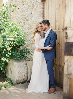 Rustic Villa Real Wedding in Barcelona | Wedding Sparrow | Blush Wedding Photography