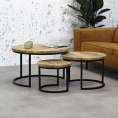 caravan decor 199636195971576714 - 3 Tables Basses Bois Massif Ivy – Achat / Vente table basse 3 Tables Basses Bois Massif – Cdiscount Source by cdiscount Coffee Table With Wheels, Cart Coffee Table, Stylish Coffee Table, Coffee Table Design, Modern Coffee Tables, Log Side Table, Square Side Table, Side Tables, Wooden Table Top