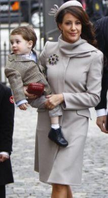 Reine & Princesses: Le dressing de Marie 2010