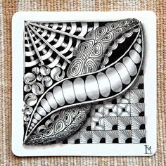 """Lily's Tangles: Diva's Weekly Challenge #207: """"UMT - Unbatz by Sandy Hunter, CZT"""" and 9. weekly tiles."""