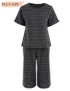 800d8eccbd9143 Plaid Plus Size Top and Capri Straight Pant Suit (Black)