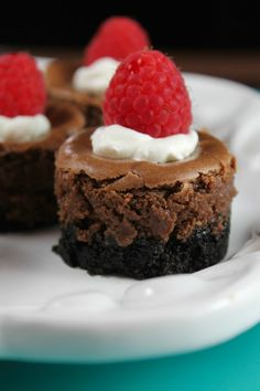 Mini Chocolate Cheesecake Recipe for holidays and celebrations. Missinthekitchen.com