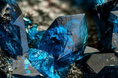 Veszelyite Locality: Black Pine Mine, Black Pine Ridge, John Long Mts, Philipsburg District, Granite Co., Montana, USA Beautiful crystals of veszelyite, blue in color. Cllection and photo of Gianfranco Ciccolini.