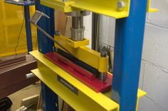 Homemade press brake fabricated from steel and utilizing a surplus die. Press Brake Tooling, Cnc Press Brake, Hydraulic Press Brake, Sheet Metal Brake, Sheet Metal Work, Metal Bender, Power Hammer, Welding Shop, Metal Working Tools