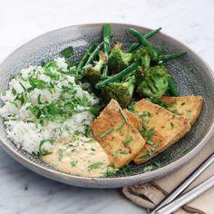 Sticky rice med broccoli, sparris och friterad tofu - Recept - Stowr