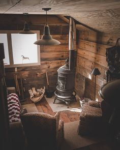 "Cabins And Cottages: wild-cabins: ""Chris Daniele "" . Tiny Cabins, Tiny House Cabin, Cabins And Cottages, Cabin Homes, Log Homes, Rustic Cabins, Rustic Cabin Decor, Rustic Wood, Mountain Cabin Decor"