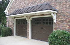 Image from http://www.georgiafrontporch.com/wp-content/uploads/2017/01/Garage-portico-after.jpg.