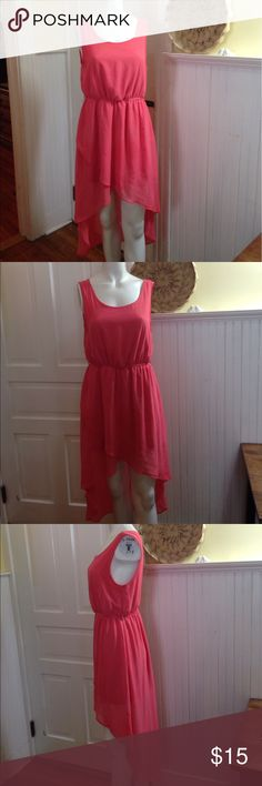 Forever 21 coral high- low dress size large Forever 21 coral high- low dress size large , has belt loops but no belt included, 100% polyester , great condition Forever 21 Dresses High Low