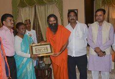 राँची, झारखण्ड में राज्यपाल द्रौपदी मुर्मू जी से मुलाकात…. #BabaRamdev #Yoga #Ranchi #Jharkhand