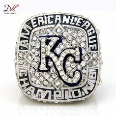 Купить товарDaihe реплика MLB канзас сити роялс америка чемпионат футбольной лиги англии кольцо, Обычный чемпионат кольца, Персонализированные ювелирные изделия в категории Кольцана AliExpress.  2013 Chicago Black hawks Stanley Cup Championship Ring for Men Wedding Ring On Sale, Sport Fans Gift Maxi Ring JewelryU
