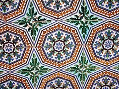 Authentic Moorish tiles... Andalucía (Al Andalus) Spain.  http://www.costatropicalevents.com/en/costa-tropical-events/andalusia/welcome.html