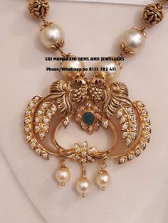 Best designs of Ram parivar harams made in minimum wt n perfect finish. Long haaram with Ram Parivar kasu hangings. Long haaram with matching jumkhis. Visit for full range at wholesale prices. Contact no 8125 782 411 . Gold Temple Jewellery, Gold Wedding Jewelry, Gold Jewellery Design, Antique Jewellery, Gold Jewelry Simple, Trendy Jewelry, Fashion Jewelry, Gold Mangalsutra Designs, Diamond Wedding Sets