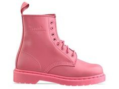Martens 8 eye boot in the sweetest shade of PINK! Doc Martens Rose, Dr. Martens, Pink Love, Pretty In Pink, Hot Pink, Grunge Shoes, Cl Fashion, Creative Shoes, Pink Boots