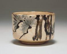 Tea bowl with pine tree design in underglaze iron and underglaze blue: Ceramics: Notable Works: SUNTORY MUSEUM of ART Japanese Ceramics, Japanese Pottery, Japanese Art, Ceramic Clay, Ceramic Bowls, Ceramic Pottery, Slab Pottery, Pottery Vase, Pottery Sculpture