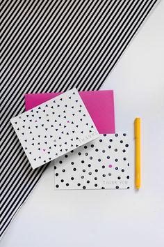 消しゴムはんこでスタンプされた柄がグラフィカルなカード。鉛筆の後ろについている小さな消しゴムを使えばとっても簡単です。円形なら、削らずそのまま使えちゃいます。