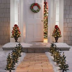 Christmas decoration at the house entrance creates a festive atmosphere - 44 outdoor decorati. Christmas decoration at the house entrance creates a festive atmosphere - 44 outdoor decoration ideas . Outdoor Christmas Decorations, Christmas Wreaths, Xmas, Christmas Tree, Holiday Decor, Office Christmas, Christmas Ornaments, Outdoor Decor, Decoration Shabby