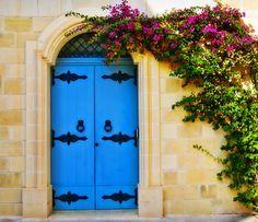 Malta door Cool Doors, Unique Doors, Portal, Limestone House, Door Numbers, House Front, Front Porch, Maltese, Architecture Details