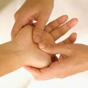 The Acupressure Points for Incontinence. Click on the pin for more information.