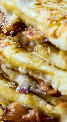 Bacon Stuffed French Toast is the ultimate sweet and savory breakfast. If you are of the belief that everything tastes better with bacon, you will love it! What's For Breakfast, Savory Breakfast, Breakfast Dishes, Breakfast Recipes, Breakfast Casserole, Stuffed French Toast Casserole, Southern Breakfast, Pancake Recipes, Christmas Breakfast